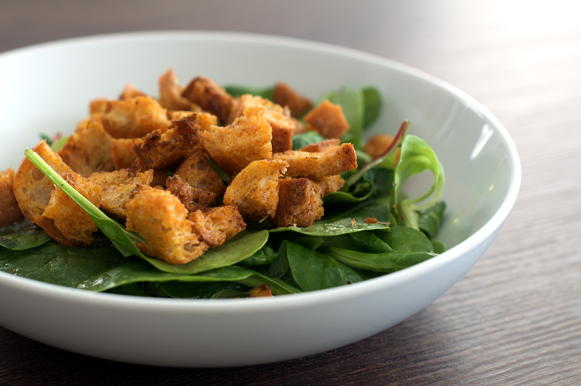 Recipe for crispy homemade paprika and rosemary croutons