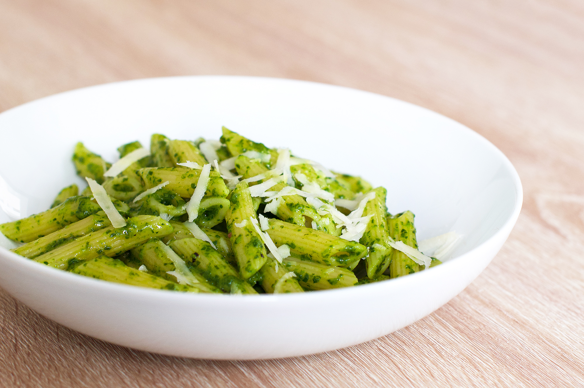 Recipe for penne pasta with spinach & pecorino pesto